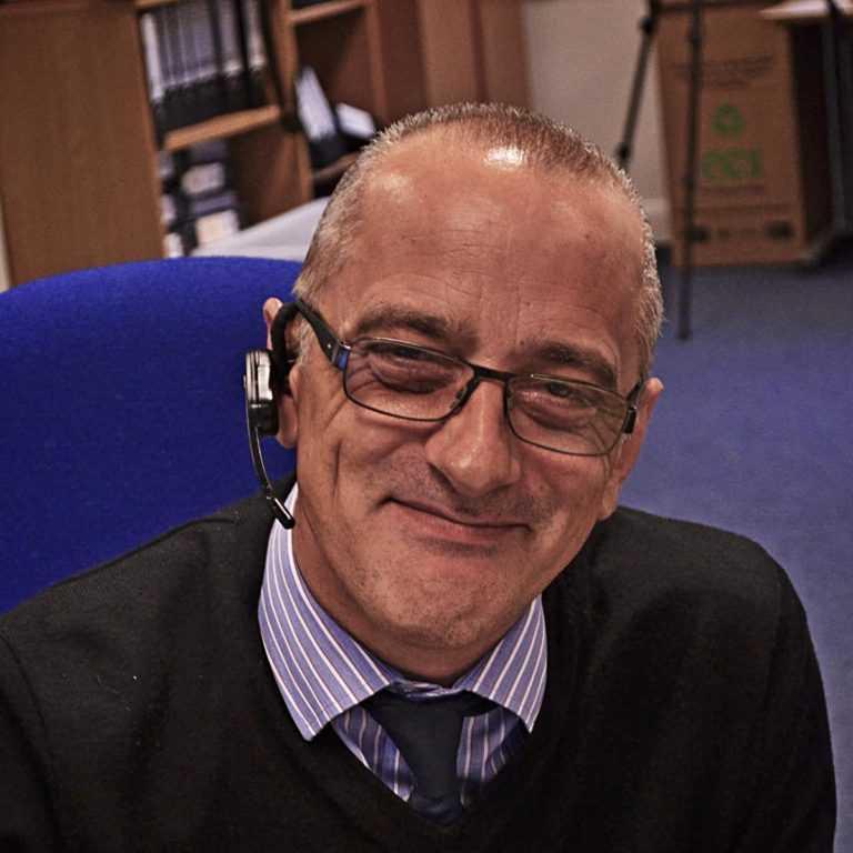 Julian Harvey headshot
